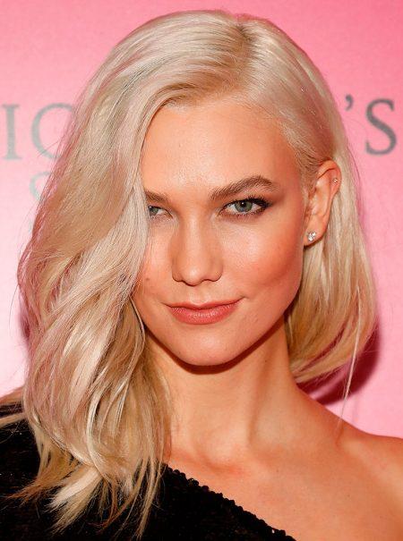 Estos son los trucos que mantienen con vida el cabello rubio platino