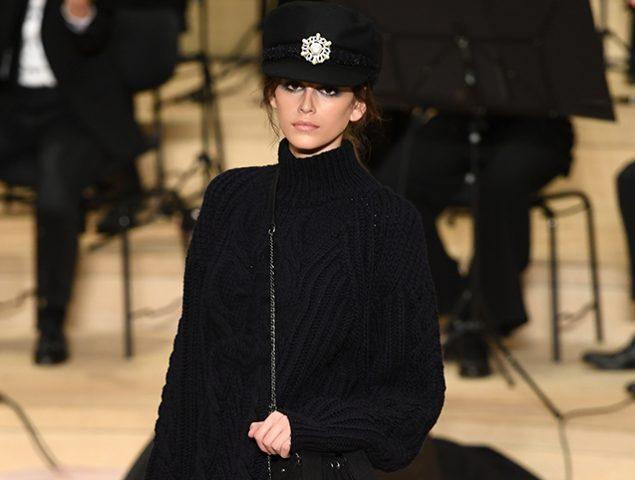 Lagerfeld barre para casa: Chanel desfila por primera vez en Hamburgo