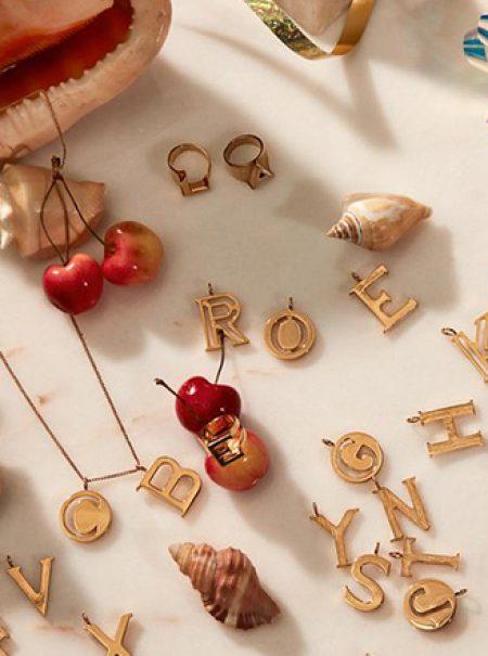 Letras por todas partes: el regalo estrella de la Navidad lleva tu inicial