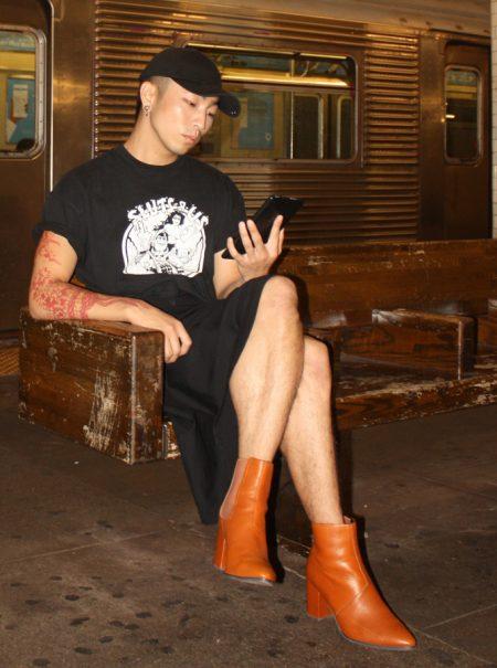 «¿Tiene estos tacones en el 47?»: la marca que normaliza los zapatos altos para hombres
