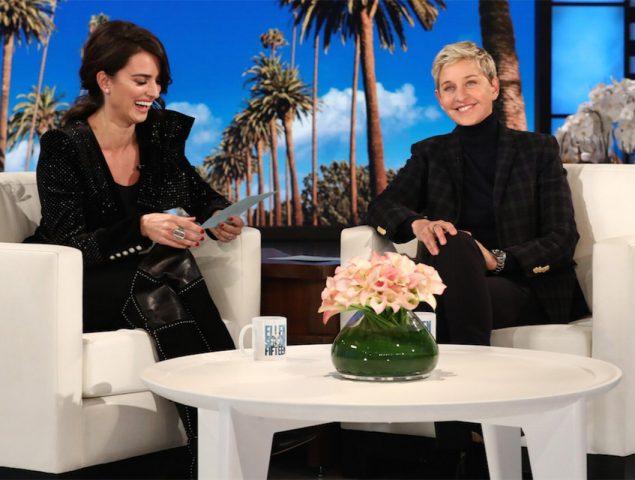 """""""Me tienes hasta el moño"""": la divertida lección de español de Penélope Cruz a Ellen DeGeneres"""