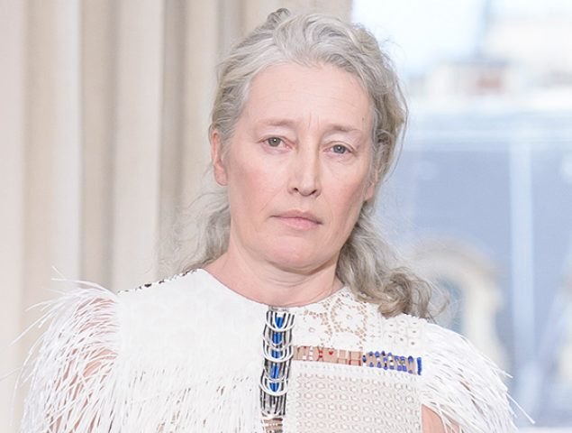 Schiaparelli inaugura la semana de la alta costura de París