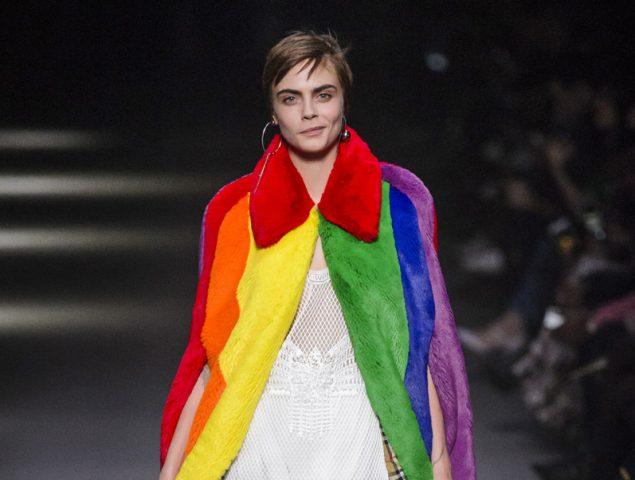 Cara Delevingne cierra el homenaje LGTB de Burberry