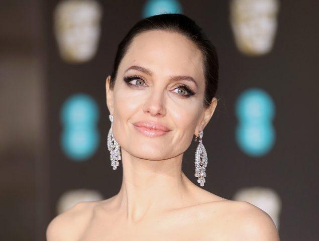 La alfombra roja de los premios BAFTA 2018 también se tiñe de negro