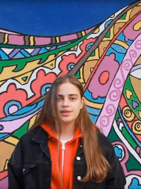 El vídeo del colegio canario que pide a la RAE que no relacione la palabra 'fácil' con la mujer