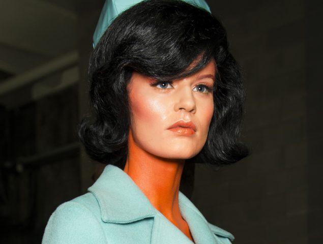 La conspiranoia de Moschino: ¿Y si Jackie Kennedy fuese alienígena?