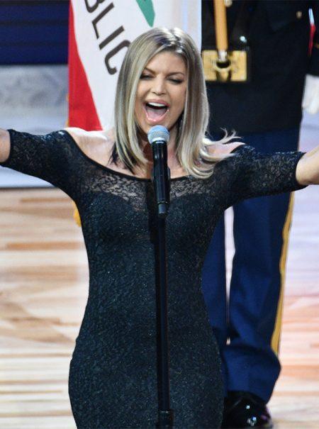 ¿Es la de Fergie la peor interpretación del himno de EEUU de la historia? Twitter piensa que sí