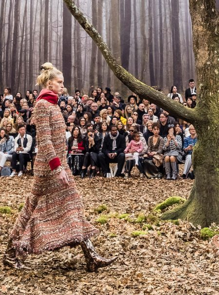 Chanel transforma el Grand Palais en un bosque otoñal