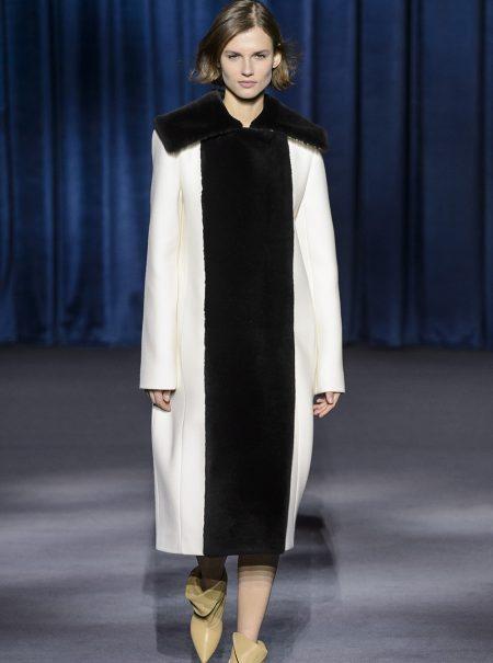 Givenchy pinta el invierno de blanco y negro, la combinación que nunca falla