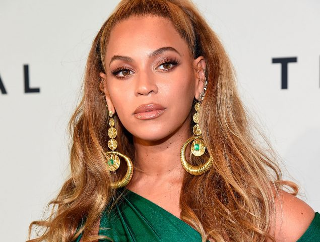 ¿Quién mordió en la cara a Beyoncé? El misterio que intriga a Internet