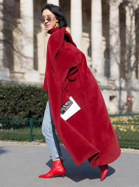 París nos lo confirmó: se llevan los abrigos extragrandes