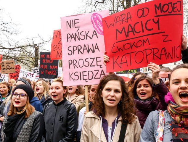 Siete ejemplos de huelgas feministas de éxito (y lo que se consiguió con ellas)