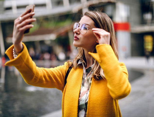 Cirugía por el 'selfie': la peligrosa relación entre las redes y el físico