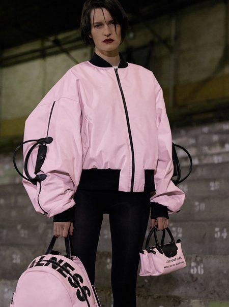 Chaquetas con asas y bolsos-cabestrillo: así es la colección de Shayne Oliver para Longchamp