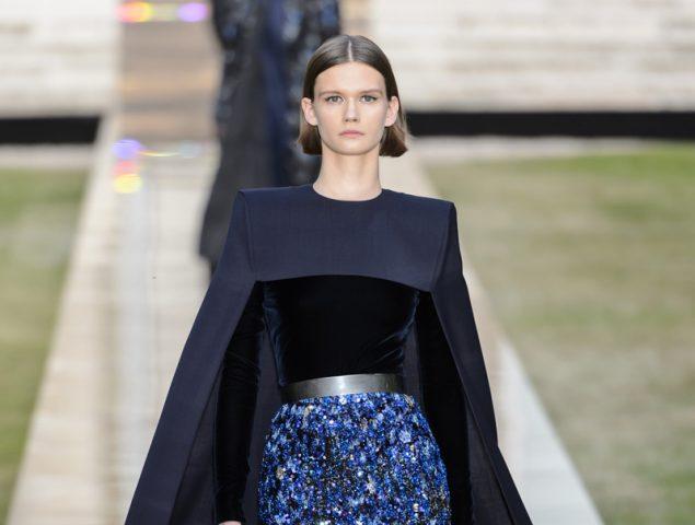 Givenchy vuelve a sus raíces con un homenaje a su fundador y su musa Audrey Hepburn