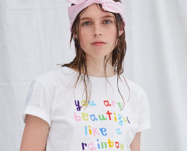 La marca Davidelfin regresa con una camiseta solidaria (que ya puedes comprar)