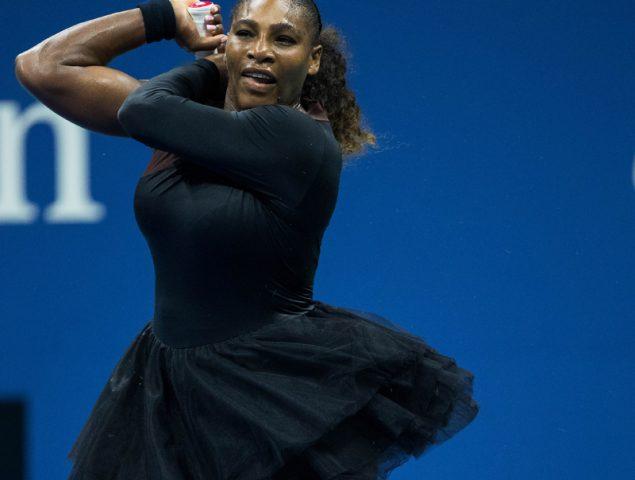 Ante las críticas, Serena Williams saca a la pista un espectacular tutú de Virgil Abloh