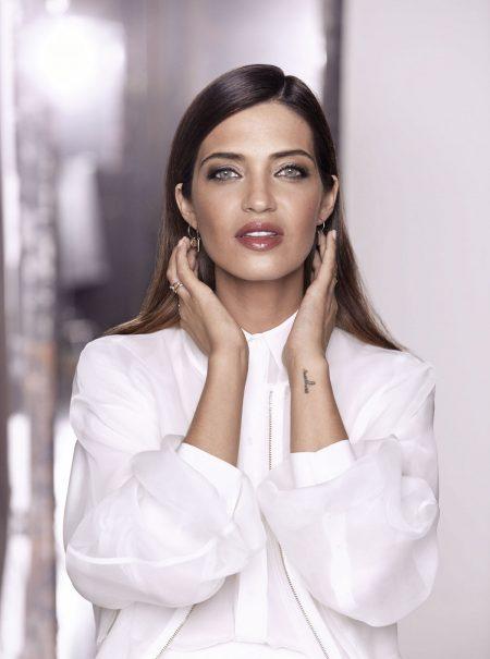 El secreto de L'Oréal para que tu maquillaje dure 24 horas (sin que parezca una máscara)