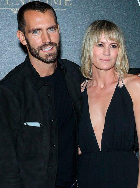 Robin Wright se casa en secreto con un joven francés