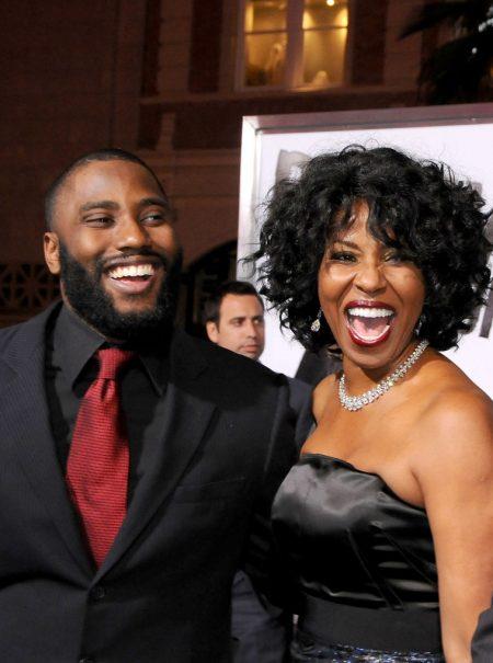 El épico corte del hijo de Denzel Washington cuando un periodista ignora a su madre