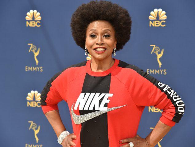 Por qué esta actriz fue a los Emmy vestida de Nike