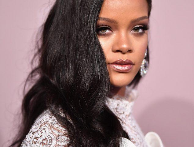 Rihanna rechazó cantar en el Super Bowl en solidaridad de Kaepernick