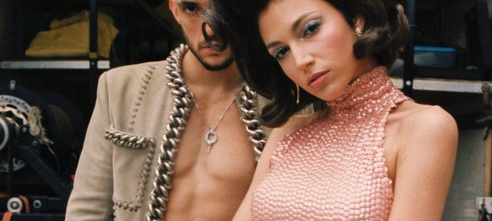 Eduardo Casanova, Úrsula Corberó y joyas de Bulgari en el nuevo vídeo de C. Tangana