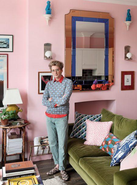 Luke Edward Hall, 'bye, bye' al minimalismo
