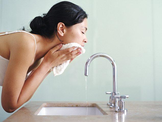 Por qué la toalla con la que te secas la cara es más importante de lo que piensas