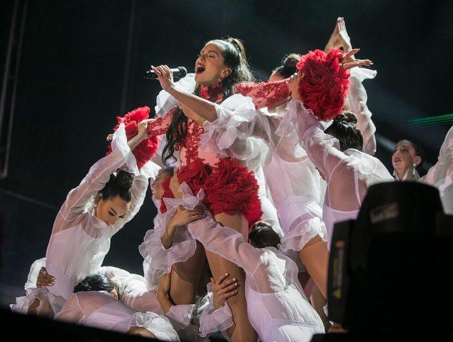 María Simún: la diseñadora de 24 años que viste a Rosalía y a sus bailarinas