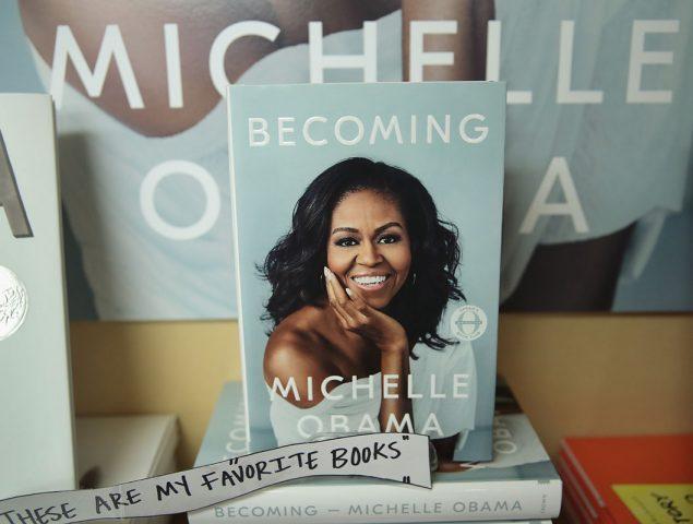 Por qué el libro de Michelle Obama marca una liberación de su estilo