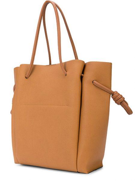Los cinco tipos de bolsos que merecen la pena esta temporada
