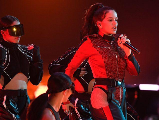 Vídeo: Rosalía se come el escenario en los MTV awards