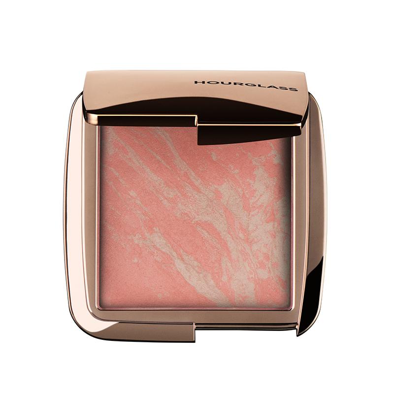 maquillaje color coral pantone