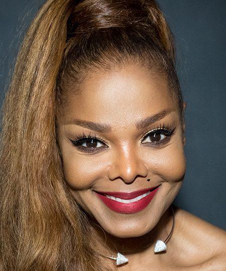 Racismo, depresión y un divorcio traumático: Janet Jackson puede con todo