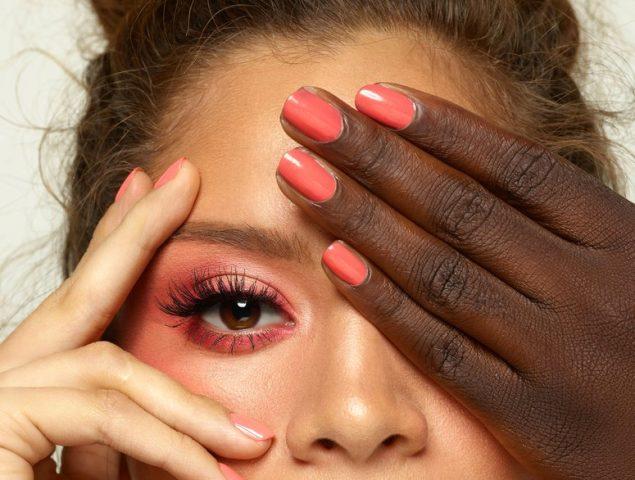 Living Coral: 11 formas de llevar ya el color de 2019 en maquillaje y cosmética