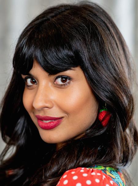 Así trolea Jameela Jamil a otras 'celebrities' por el activismo corporal