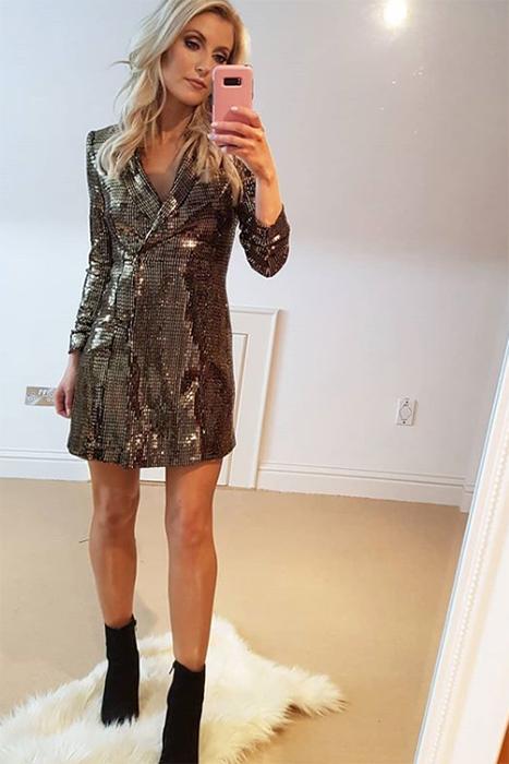 2019 mejor calidad confiable nuevo estilo Este vestido de Zara es la versión navideña de su chaqueta ...