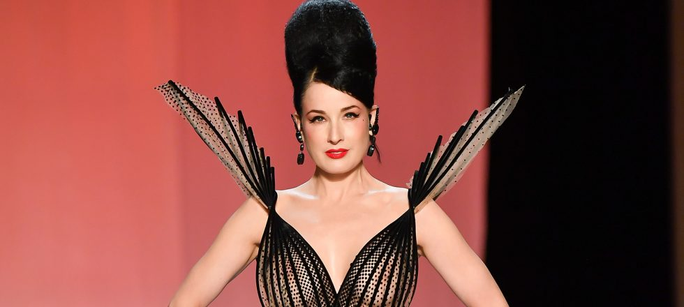 Dita Von Teese, estrella rutilante en el desfile de Jean Paul Gaultier