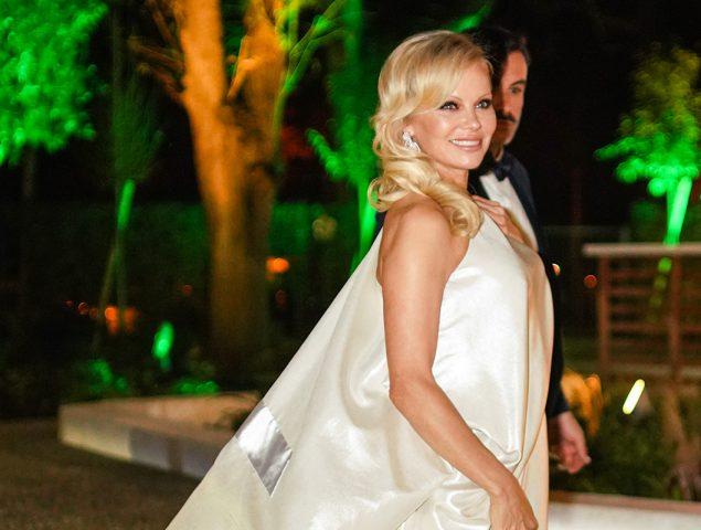 Pamela Anderson o cómo pasar de icono hortera a chica Chanel