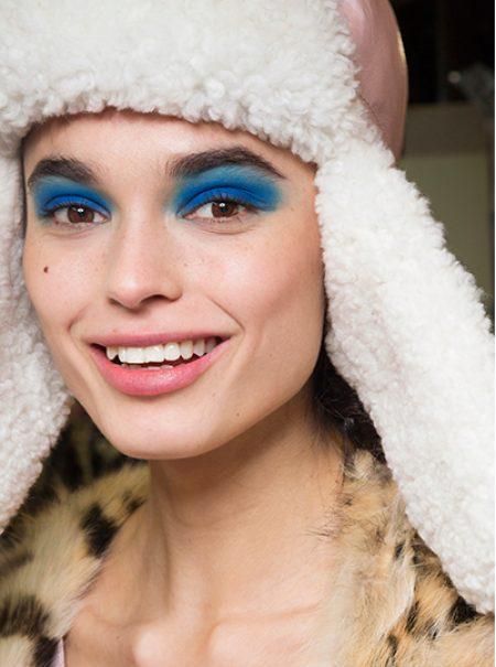 Blue Monday: alegra el día más triste del año con maquillaje azul