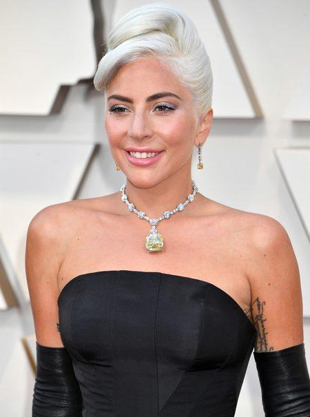 De Audrey Hepburn a Lady Gaga en los Oscar: la apasionante historia del diamante más caro del mundo