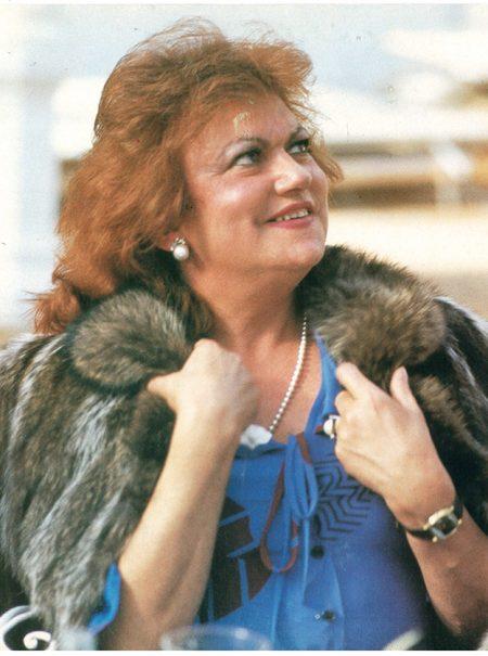 «Vestidas de azul», la realidad de las mujeres trans hace 35 años