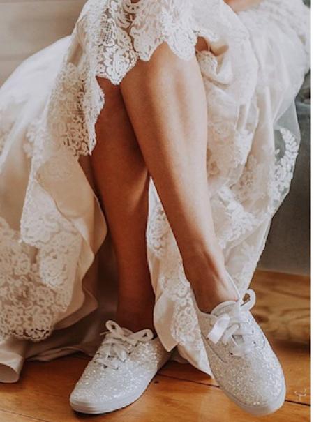 La inesperada tendencia de casarse en zapatillas