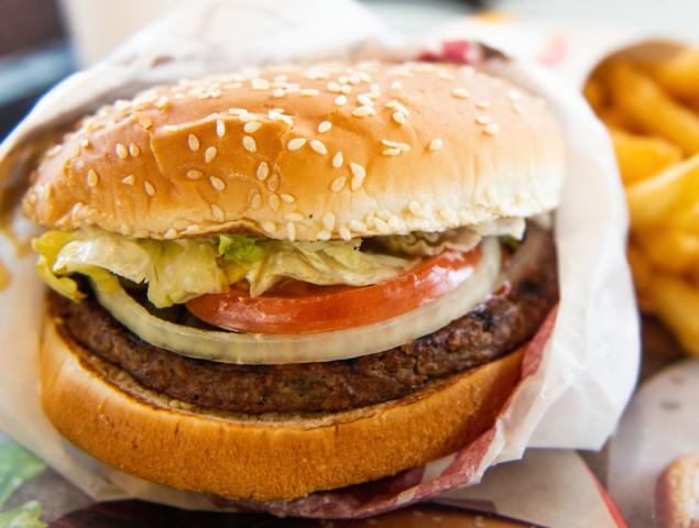 Por qué nos fascina la comida 'falsa' y qué traga nuestro cuerpo al tomarla