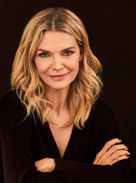 Michelle Pfeiffer lanza línea de fragancias (y no es lo que cabría esperar)
