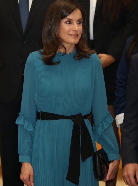 Letizia Ortiz ha conseguido lo imposible: que un vestido-pantalón siente bien (y además es de Zara)