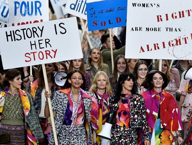 De pasiva y frágil a mujer de éxito: así está cambiando la publicidad femenina en España