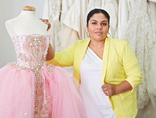 Así es el proceso de creación del vestuario de una boda gitana