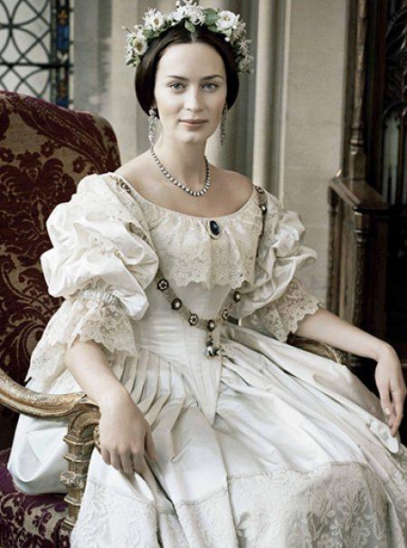 El negro como señal de luto y otros inventos que la moda le debe a la reina Victoria